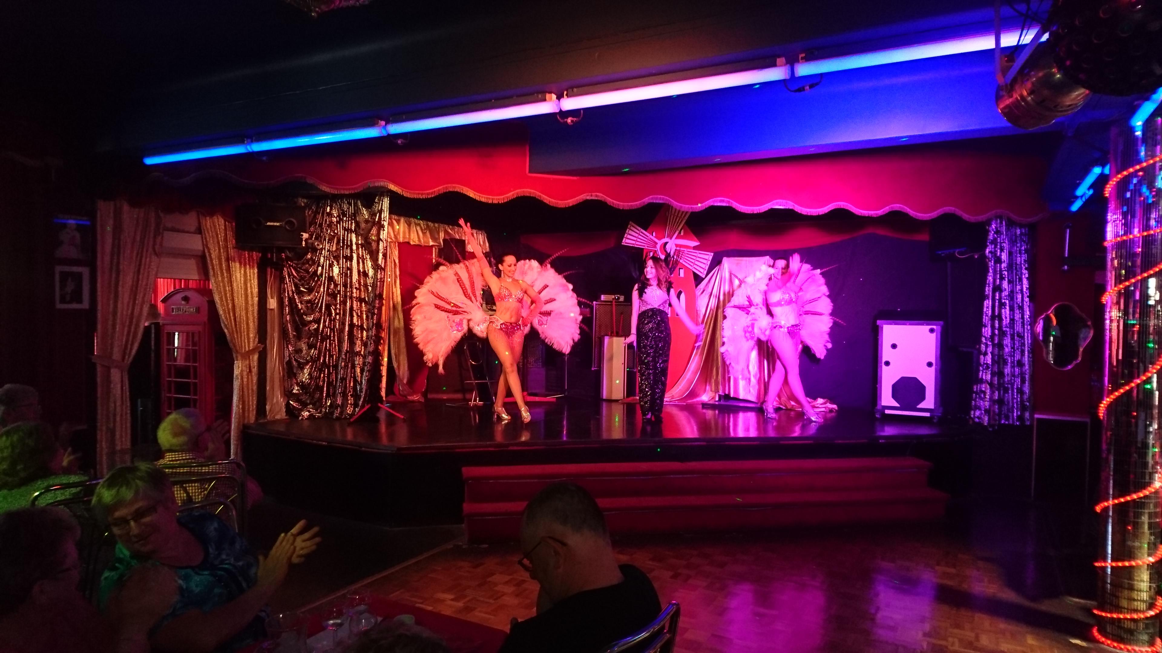 Scène du cabaret
