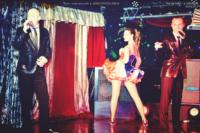 Chant en direst et danse chorégraphiée avec Tony Parkan, Thibaut Accart et music-hall and dance company