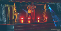 Thibaut Accart et ses danseuses de music-hall and dance company