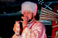 Tony Lad musicien chanteur sur Nathalie, Russe
